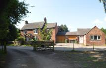 4 bedroom Farm House in Cowhill Lane...