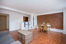 2 bedroom Apartment in Brick Lane, London, E1