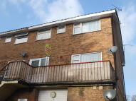 Maisonette to rent in Knightwood Road, Hythe...