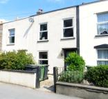 2 bed Terraced house for sale in High Street, Kingswood...