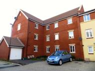 2 bed Flat in Snowberry Walk...