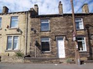 Terraced property to rent in St Peg Lane, Cleckheaton...