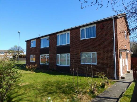 2 Bedroom Flat For Sale In Addington Drive Hadrian Park Wallsend