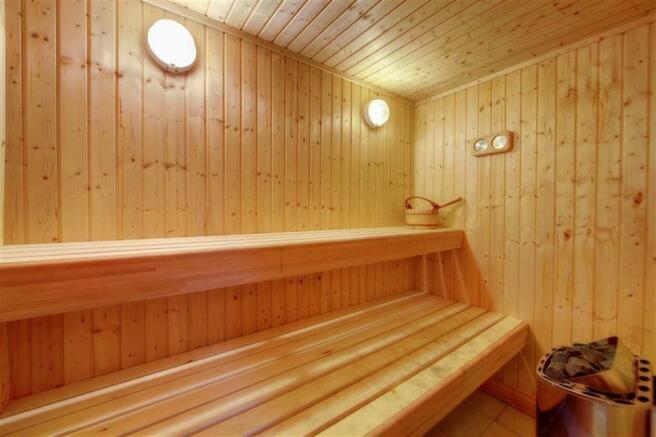 Sauna & Dressing Roo