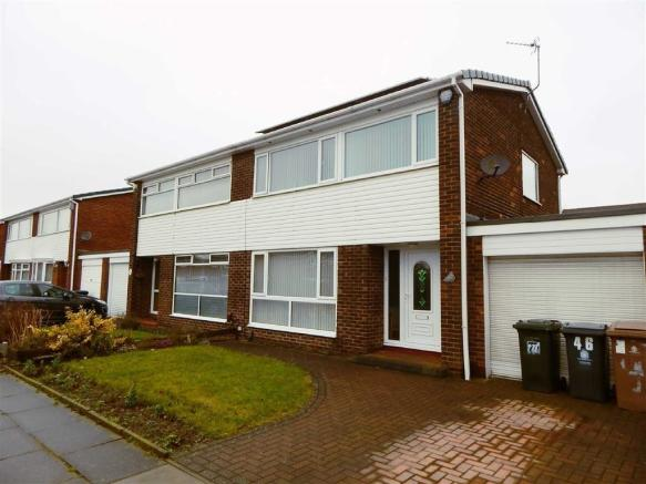 3 Bedroom Semi Detached House For Sale In Valeria Close Hadrian