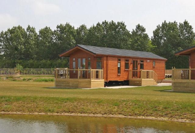 2 bedroom log cabin for sale in high farm country park for One room log cabin for sale