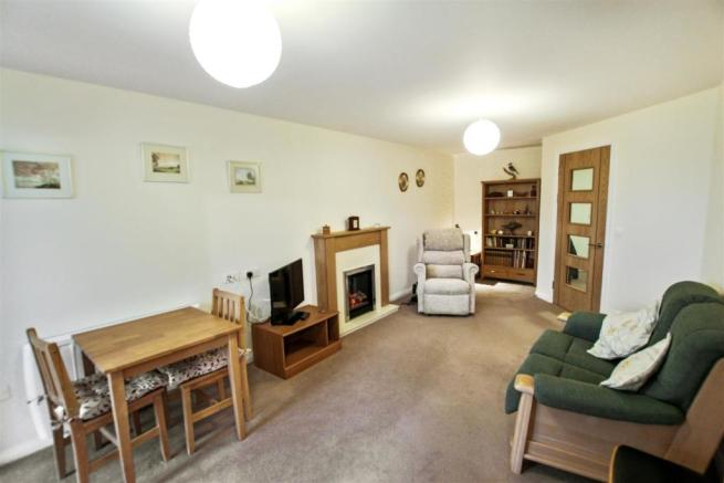 7 Broadfield Court Lounge second view.jpg