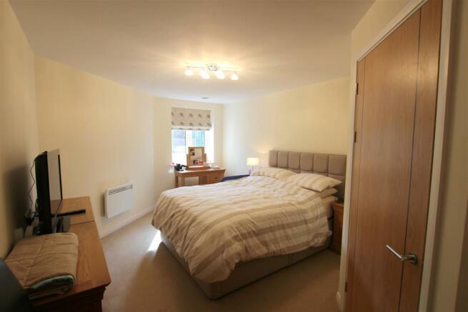 Bedroom 12 Broadfield Court.jpg