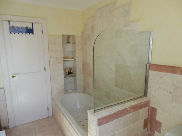 baño3 c en suite.jpg