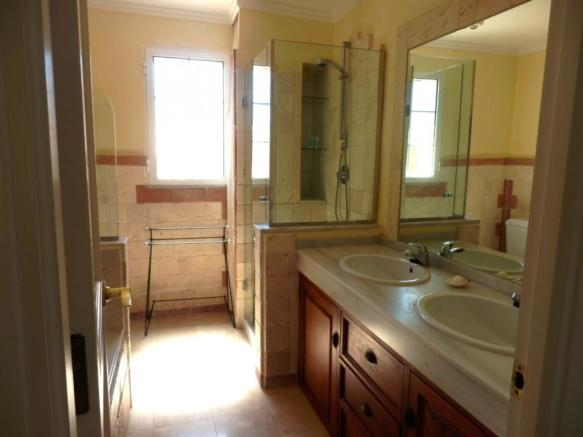 baño3 d en suite.jpg