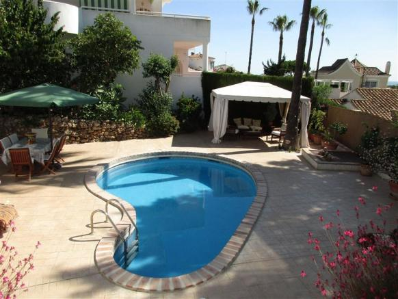 pool and garden.jpg