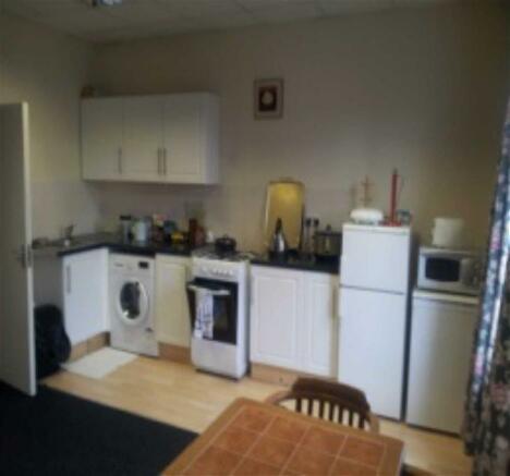 Lounge/Kitchen: