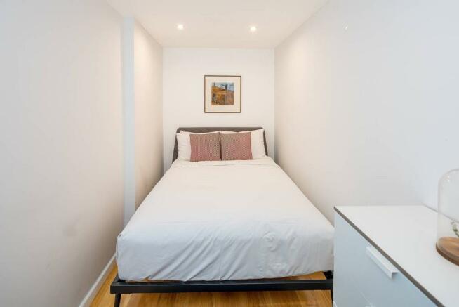 Cosy second bedroom