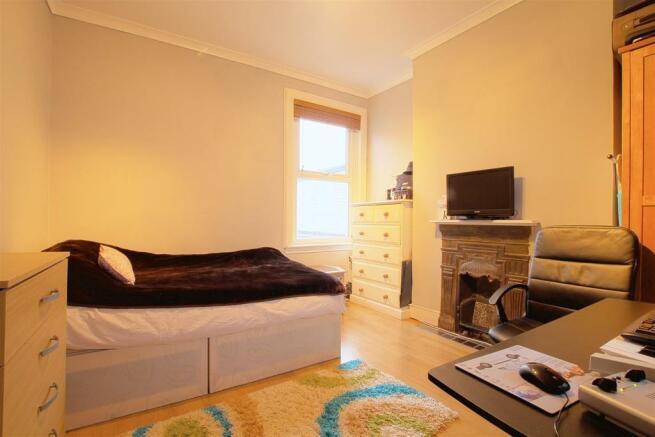 9a Seaford Road_ Bedroom1.jpg
