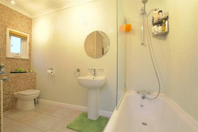 9a Seaford Road_ Bathroom.jpg