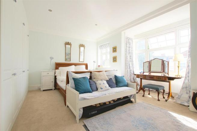 29 Dudley Gardens_ Bedroom1.jpg