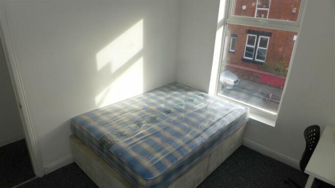 Bedroom 4 (Main)