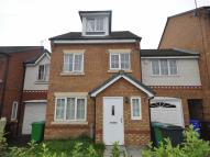 Town House to rent in Chelsfield Grove...