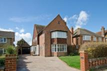 4 bed Detached home in Chelwood Avenue...