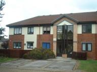 Flat to rent in Airedale Court, Leeds...