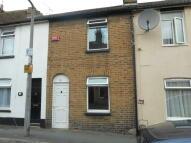Terraced property to rent in Ivy Street, Rainham