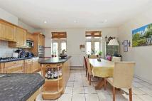 5 bedroom property in Limekiln Place...