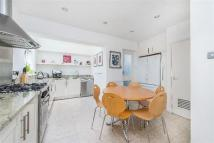 3 bedroom Detached home in Oakfield Gardens...