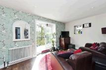 1 bed Flat to rent in Belvedere Road...