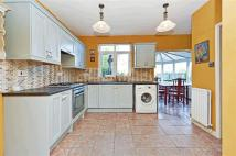 3 bed semi detached property for sale in Roman Rise, Upper Norwood
