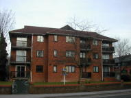 Flat to rent in West Hill Court Hill...