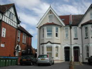 Studio flat in Landguard Road Flat 6...