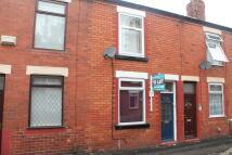 Studio flat to rent in Brighton Street...