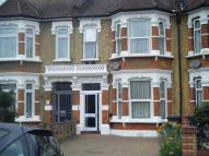 1 bedroom property in kingswood Road...