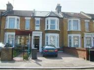 Flat in Manor Road, Leyton, E10