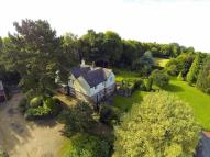5 bedroom Detached property in Bovingdon
