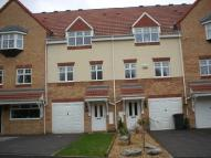 Town House to rent in Crowswood Drive...