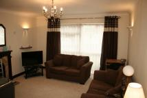 Ground Flat to rent in Sedley Close, Rainham...
