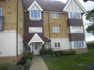 Flat to rent in Hedgers Way, Chartfields