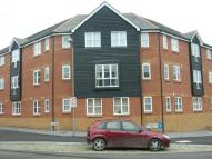 Flat to rent in Riverbank Way...