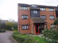 Flat for sale in Oval Court...