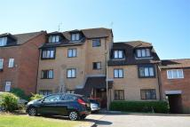 2 bed Flat for sale in Springwood Crescent...