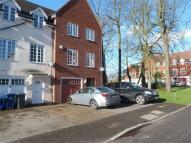 5 bed End of Terrace house in Bernhart Close, Edgware...