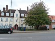 2 bedroom Ground Flat to rent in Orange Hill Road, Edgware