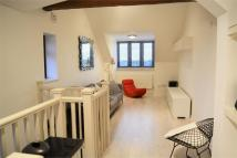 2 bed Apartment to rent in Hale Lane, London