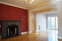 5 bed Detached house to rent in Prince George Avenue...