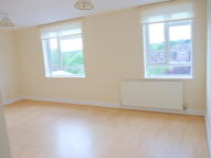 2 bed Flat in Green Lanes, London, N21