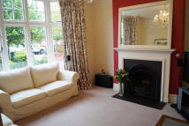 4 bed semi detached property in Richmond Road, Barnet...