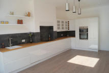 4 bed Terraced property to rent in Station Road, London, N21