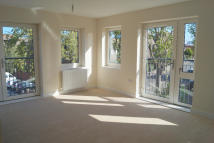 new Flat to rent in Bole Court, Cecil Road...