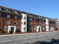 2 bed Ground Flat in Canute Road...